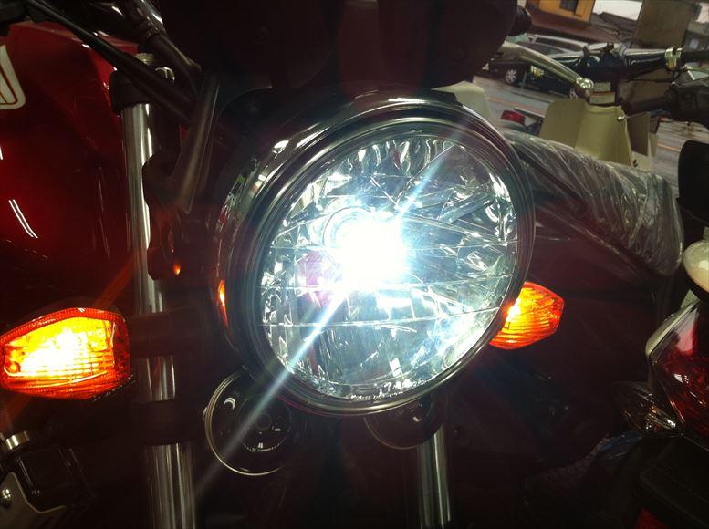 バイクの未来も照らし出す!ledヘッドライトで安心を手に入れろ!のサムネイル画像