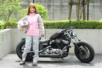 バイクのレインウェアを知って雨から自分を守って快適を手に入れろ!のサムネイル画像