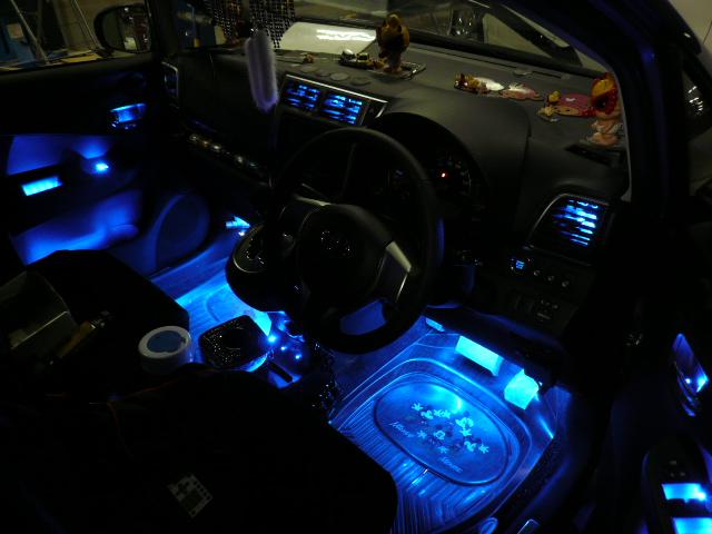 車の中をおしゃれに!内装を簡単にドレスアップするアイテムご紹介!のサムネイル画像