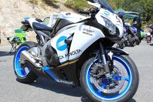 愛するバイクを更にカッコよくするにはカウルの塗装がおすすめ!のサムネイル画像