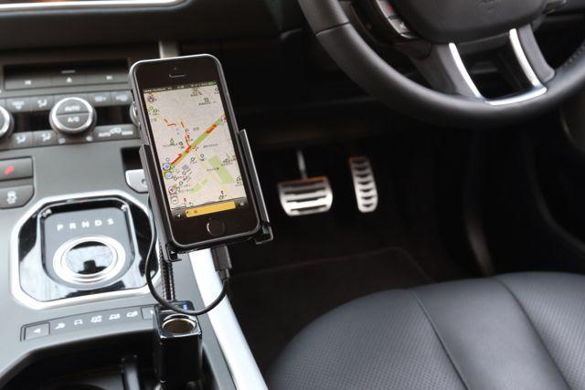 車内で快適に過ごせる便利グッズ 人気のカーアクセサリーをご紹介!のサムネイル画像