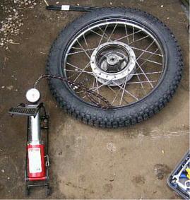 バイクの空気入れ持っていますか?一家に一台は空気入れのご用意を!のサムネイル画像