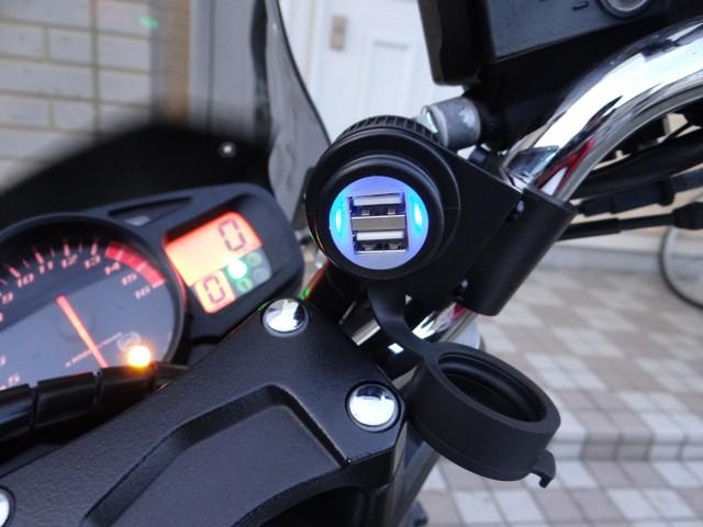 バイクにusbを取り付けよう!usbがアナタのバイクを快適にします!!のサムネイル画像