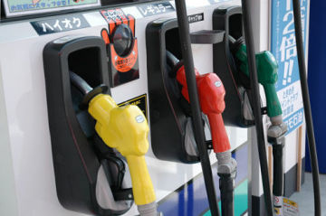 気になるガソリンのハイオクとレギュラー 混ぜるとどうなる?のサムネイル画像