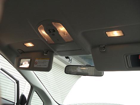 プリウスの車内を明るくしよう!プリウスのルームランプまとめ!のサムネイル画像