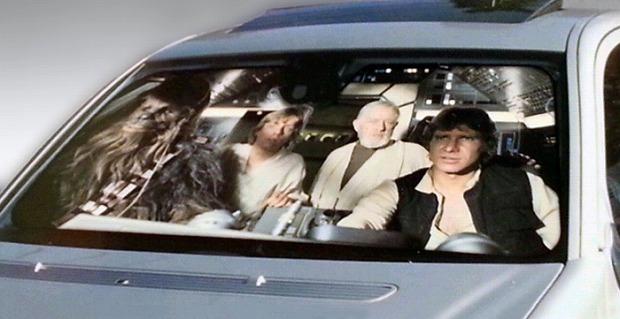 サンシェードは車内の暑さ防止だけでなくオシャレの演出も出来る!のサムネイル画像