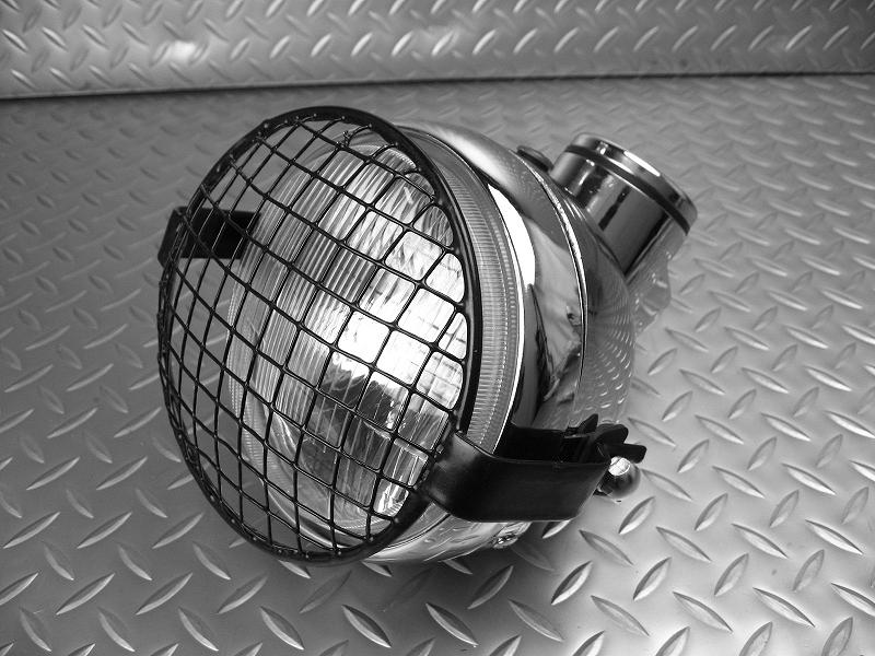 モンキーのヘッドライトをカスタムして、存在感をより際立たせる!のサムネイル画像