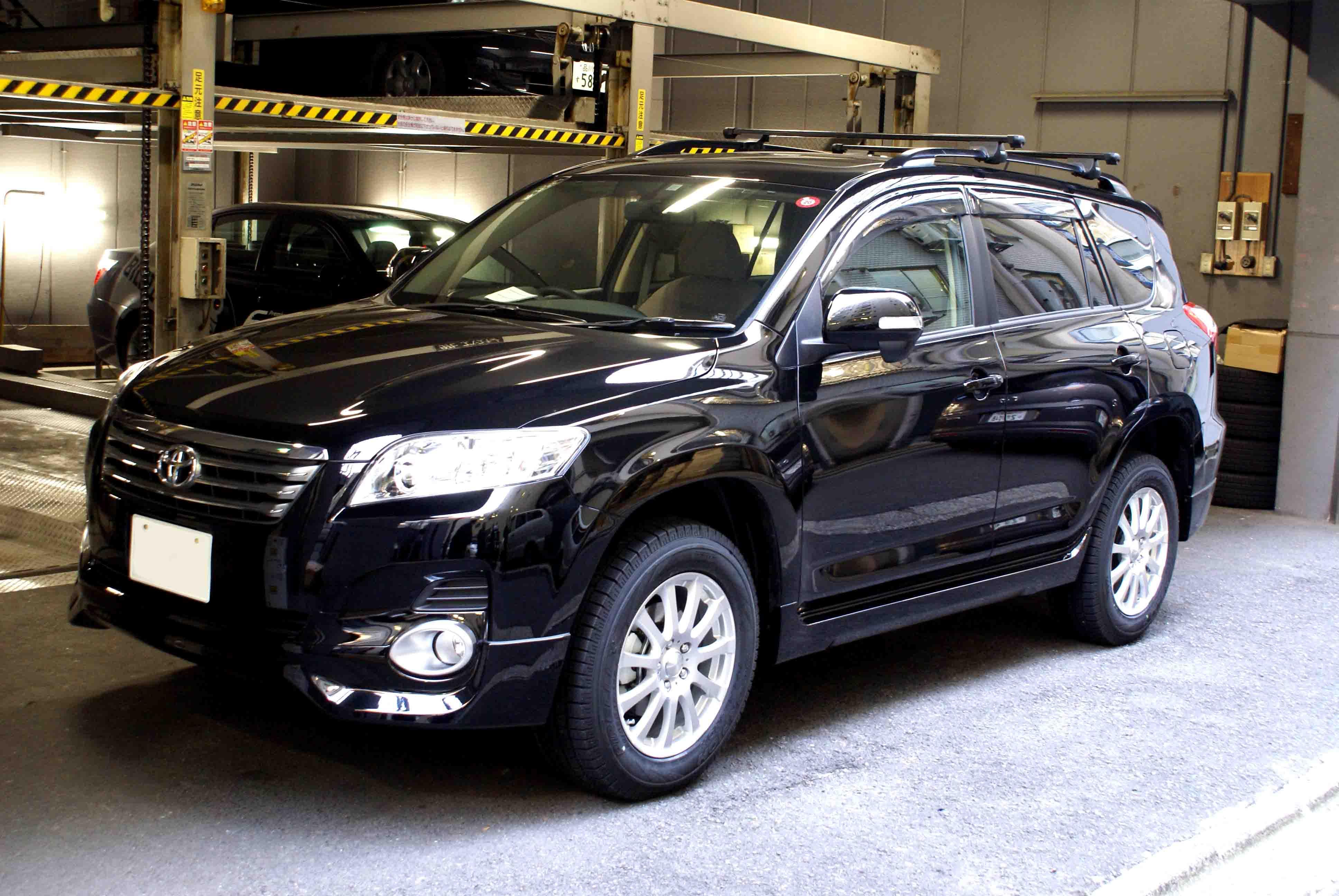 トヨタから発売されていた、高級SUV!ヴァンガードをカスタム!のサムネイル画像